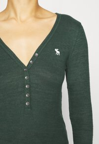 Abercrombie & Fitch - COZY HENLEY  - Long sleeved top - dark green - 5