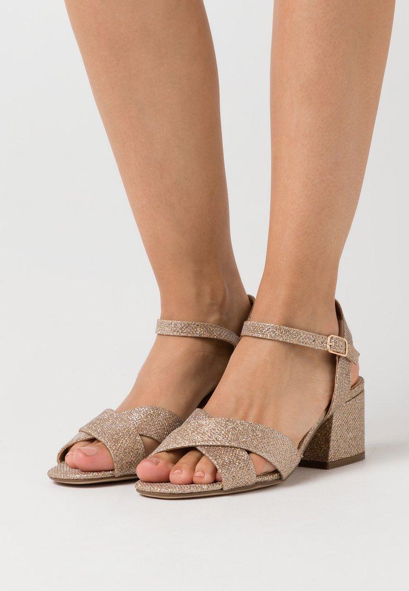 Dorothy Perkins - BOOM MID HEIGHT BLOCK - Sandals - gold
