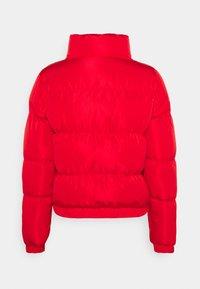 SIKSILK - PRINTED TAPE PADDED CROP JACKET - Winter jacket - red - 1