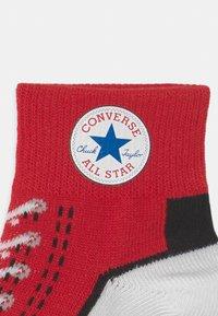 Converse - CHUCK QUARTER 3 PACK UNISEX  - Socks - enamel red - 2
