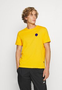 YOURTURN - T-shirt med print - yellow - 0