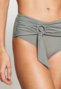 Seafolly - ACTIVEWIDE SIDE RETRO - Bikini bottoms - olive leaf - 4