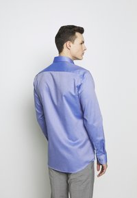 Eterna - HAI-KRAGEN SLIM FIT - Formální košile - royal - 2