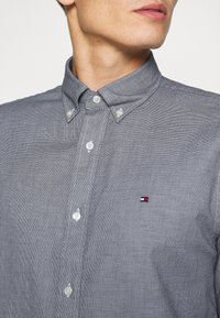 Tommy Hilfiger - DOBBY - Shirt - carbon navy - 4