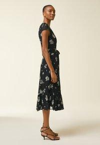 IVY & OAK - WRAP  - Denní šaty - aop/fine flower black - 1