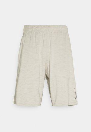 YOGA - Pantalón corto de deporte - light bone/stone/gray