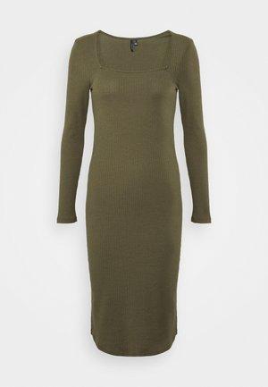 VMPOLLY SQUARE NECK DRESS - Robe fourreau - ivy green