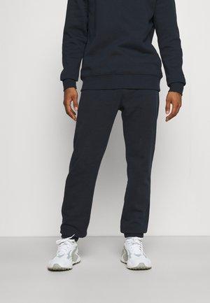 ALPHA PANT - Teplákové kalhoty - navy