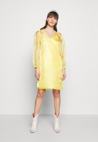 HOSBJERG - ROCKET DRESS - Day dress - yellow - 2