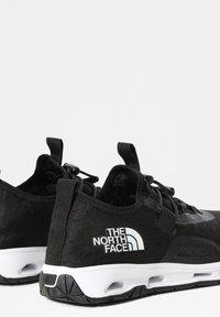 The North Face - W SKAGIT WATER SHOE - Sneakersy niskie - tnf black tnf white - 2