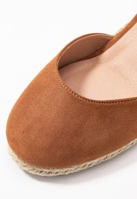 New Look Wide Fit - WIDE FIT SWIGGLE - Wedges - tan - 2