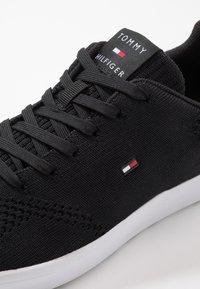 Tommy Hilfiger - LIGHTWEIGHT CUPSOLE - Sneakers basse - black - 5