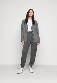 ONLY Tall - ONLPETRA PAPERBAG PANT - Kalhoty - dark grey melange - 1