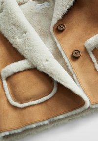 Mango - DOBLE7B - Zimní kabát - hnědá - 2