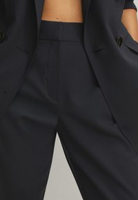 Massimo Dutti - Pantalon classique - blue/black denim - 5