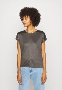 someday. - KUSANA - Basic T-shirt - blended oliv - 0