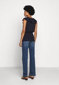 Lauren Ralph Lauren - T-shirts med print - navy - 2