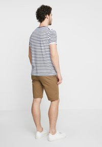 Selected Homme - SLHSTRAIGHT PARIS - Shorts - camel - 2