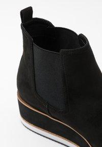 Bullboxer - Kotníkové boty na platformě - black - 5