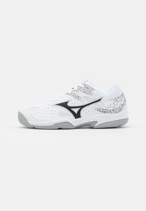 BREAK SHOT  UNISEX - Carpet court tennis shoes - white/black