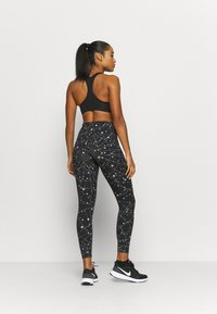 Nike Performance - SPEED  - Leggings - black/silver - 2
