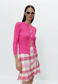 Uterqüe - MIT VOLANTS - A-line skirt - pink/white - 3