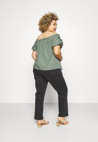 CAPSULE by Simply Be - BOYFRIEND - Jeans relaxed fit - washed black - 2