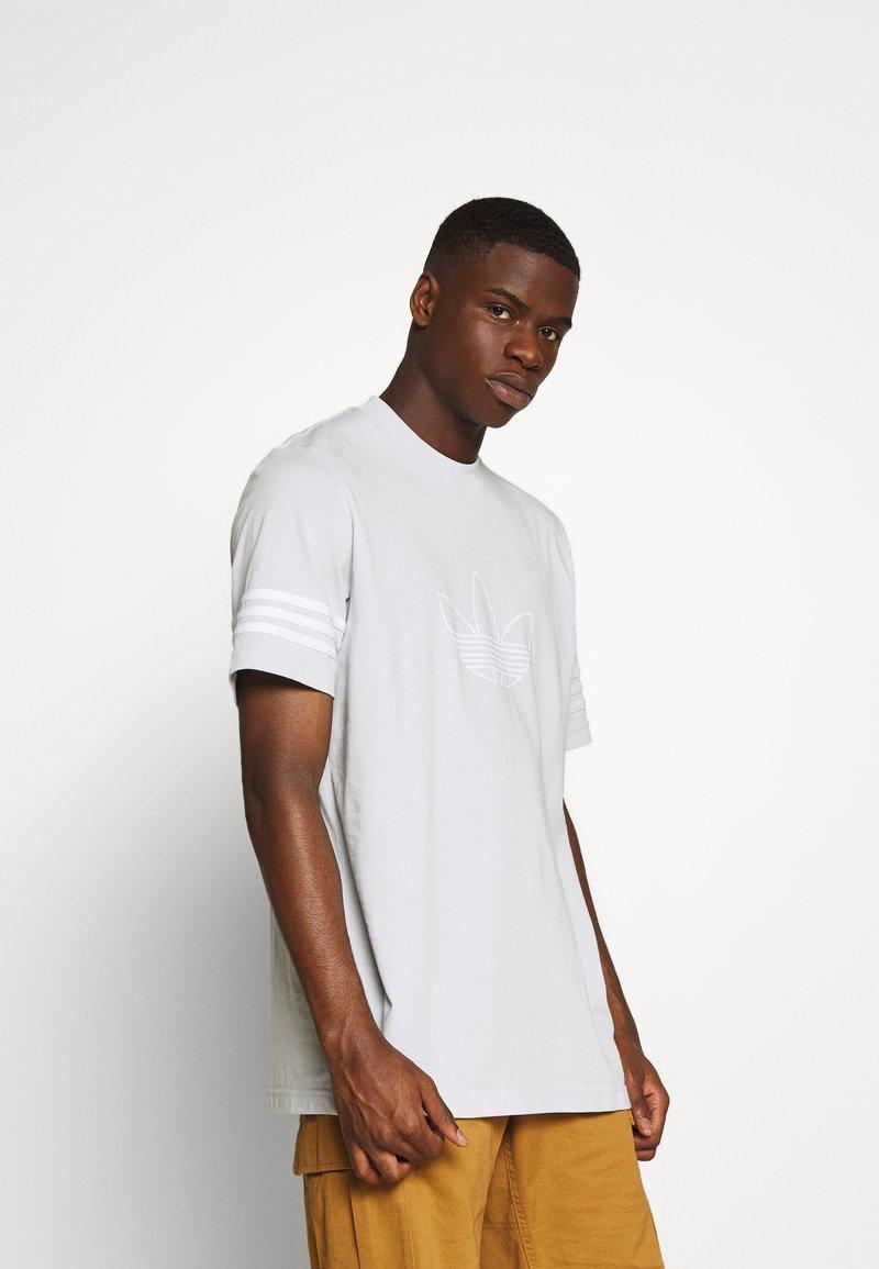 adidas Originals - OUTLINE TEE - Print T-shirt - clear grey