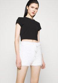 Miss Selfridge - EYELASH KNIT SHORT - Shorts - cream - 3