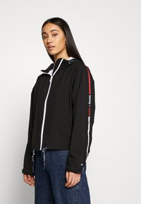 Tommy Jeans - BRANDED SLEEVES - Leichte Jacke - black - 0