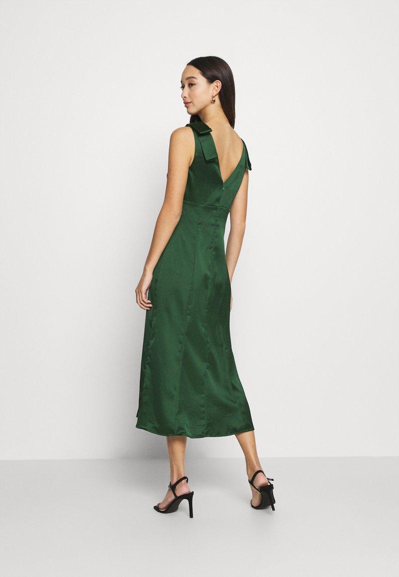 Chi Chi London Paola Dress Cocktailkleid Festliches Kleid Green Grun Zalando De