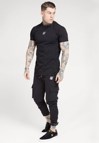 SIKSILK - PANTS - Cargobroek - black - 1