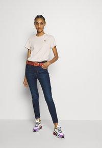 Levi's® - PERFECT TEE - T-shirts print - peach blush - 1