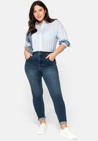 Sheego - Jeans Skinny Fit - dark blue denim - 0