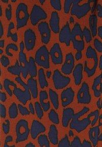 Grunt - SAVANNAH PANT - Kalhoty - rusty - 4
