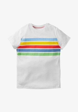 AUS FLAMMGARN - Print T-shirt - weiß/regenbogenstreifen