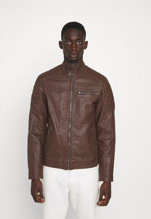 JJEROCKY JACKET - Faux leather jacket - chocolate fondant