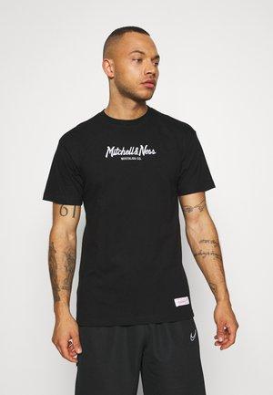 OWN BRAND PINSCRIPT TEE - T-shirt z nadrukiem - black