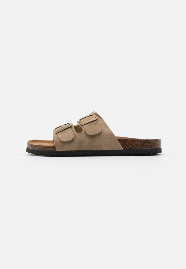 DOUBLE BUCKLE - Slippers - tan