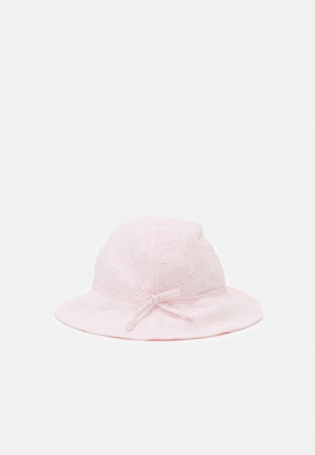 EYELET HAT - Klobouk - cherry blossom