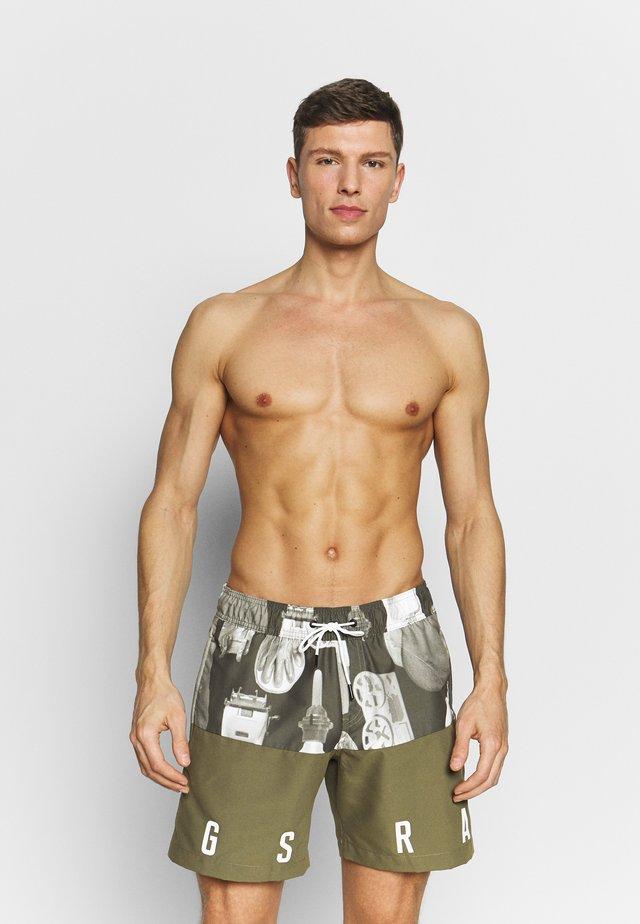 DIRIK COLOUR BLOCK AO - Swimming shorts - dark shamrock
