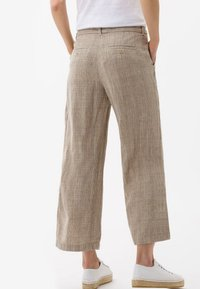 BRAX - STYLE MAINE - Trousers - sand - 2