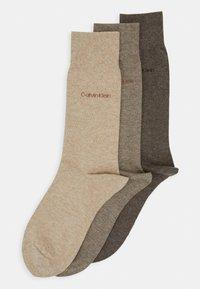Calvin Klein Underwear - MEN CREW COMBED FLAT ERIC 3 PACK - Socks - taupe - 0