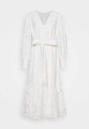 PAPAYA - Koktejlové šaty/ šaty na párty - snow white