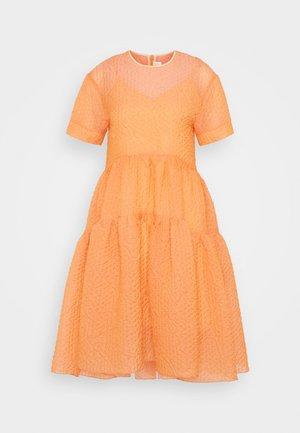 EXAGGERATED COCOON DRESS - Robe de soirée - cantaloupe orange