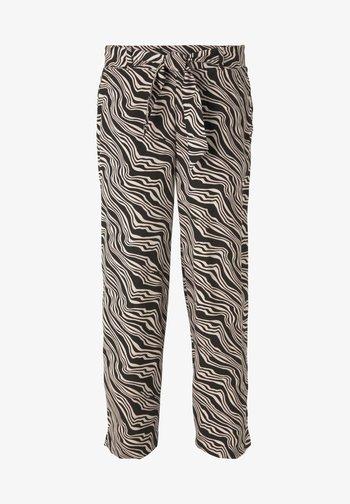 MIT BINDEGÜRTEL - Trousers - black wavy design