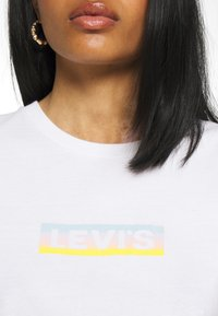 Levi's® - THE PERFECT TEE - T-shirt print - gradient white - 4