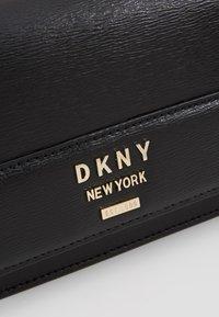DKNY - AVA WALLET STRING - Axelremsväska - black/gold - 6