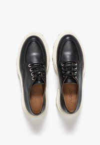 Inuovo - Chaussures à lacets - black/white blk/wht - 4