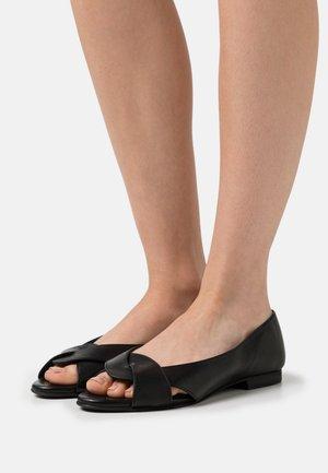 SIKA - Sandales - black